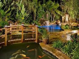 Patio That Turns Into Pool This Swimming Pool And Patio Features A Gourmet Outdoor Kitchen