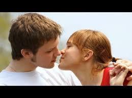 wajib coba inilah cara berciuman yang membuat suami puas dan