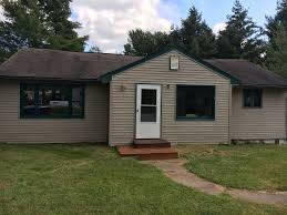 ranch style house on main drag between cran vrbo