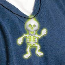 halloween glow stick skeleton necklace or pendant by amscan 394474