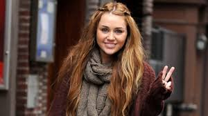 what is the name of miley cryus hair cut miley cyrus is over her short hair which look should she choose