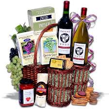 picnic gift basket best 25 picnic gift basket ideas on picnic ideas