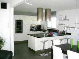 cuisine ouverte petit espace porte d entrée pour amenagement petit espace cuisine salon luxe idee