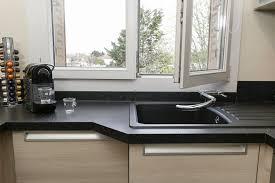 robinet cuisine sous fenetre où installer évier cuisines et bains