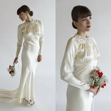vintage wedding dresses with sleeves the advantages of vintage wedding dresses interclodesigns
