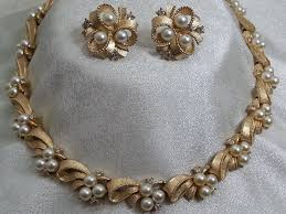 pearl rhinestone necklace images Crown trifari faux pearl rhinestone necklace earring goldtone demi jpg
