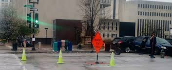 lexus downtown service driver flees scene of crash in downtown peoria peoria public radio