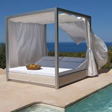 cool outdoor daybeds with canopy designs daybeds pinterest