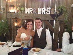 wedding backdrop board rustic barnboard backdrop matt s wedding pins