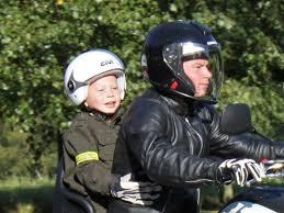 si e enfant scooter transporter votre enfant à moto ou scooter part 4 casque moto