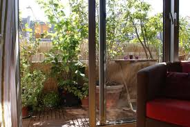 amenager balcon pas cher aménager son balcon pratique fr