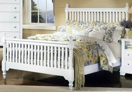 Wooden Bed Furniture Simple Bedroom Furniture White High Headboard Bed Wooden Bed White