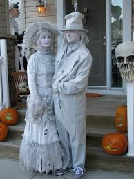 i thought all ghost costumes were lame then i saw what my cousins