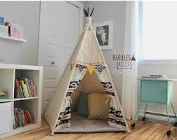 tipi pour chambre articles similaires à tipi pour enfant cachette cabane tente