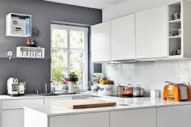 plexiglas für küche ideen für die küchenrückwand glas metall fliesen holz
