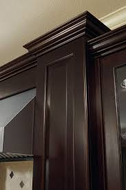 how to do crown molding on kitchen cabinets heavy crown moulding kitchen craft cabinetry