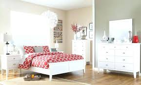 painting a small bedroom best color to paint a small bedroom betweenthepages club