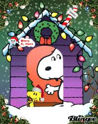 snoopy doghouse christmas decoration keep same gif as above but different animation me some