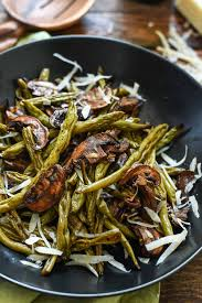green bean thanksgiving recipes balsamic roasted green beans and mushrooms neighborfood