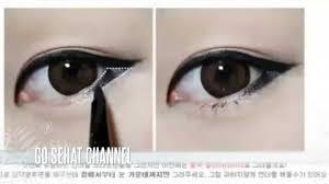 cara makeup mata sipit ala korea