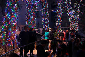 San Antonio Riverwalk Christmas Lights City Gives Nod To Tradition But Leds Stay San Antonio Express News