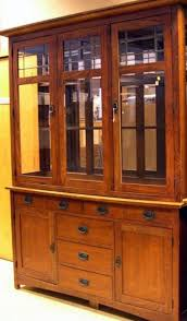 Bassett Mission Style Oak And Leaded Glass Two Part China Cabinet