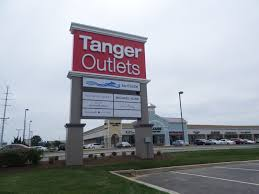 tanger outlets report increased sales traffic memorial day