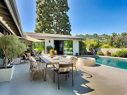 Designer Patio by Stunning Modern Villa Designer Perfect With Pool Patio Tub