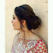 hairdo for boat neckline 21 outstanding kareena kapoor hairstyles that look gorgeous