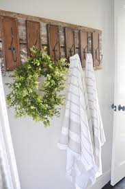 finally give yourself the organization that you need with these finally give yourself the organization that you need with these diy bathroom hooks 6 bathroom upstairs bathroomsbathrooms decorsmall