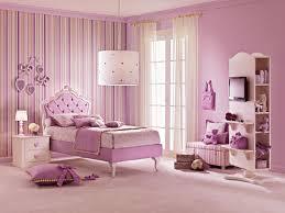 chambre de princesse pour fille lit fille avec tête de lit capitonnée lila piermaria so nuit