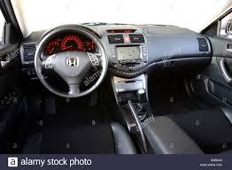 cars honda accord car honda accord 2 2 i ctdi sport 103 kw limousine medium