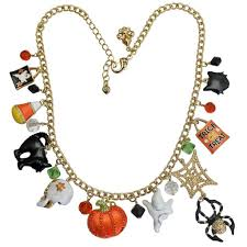 halloween necklace daisy wedding invitations how to make my own