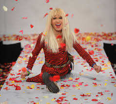 betsey johnson turns 73 still does the splits instyle com
