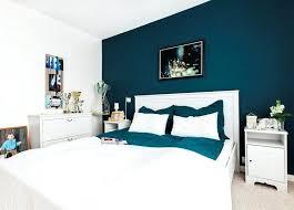 couleur de la chambre à coucher couleur chambre coucher adulte mur bleu canard chambre 57 couleur