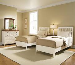 Two Twin Beds In Small Bedroom Twin Bed Bedroom Designs Twins Ideas Beds For Girls Kids With