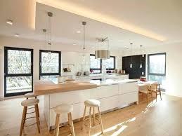 cuisine contemporaine blanche et bois idee deco pour cuisine blanche cuisine blanche et bois on decoration