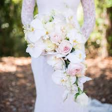 boutonniere cost wedding flower etiquette vs real how much they should cost