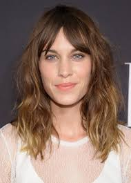how to nail the medium length hair trend hair icon alexa chung
