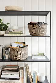Styling Room 216 Best The Bookshelf Stylist Images On Pinterest Bookshelves