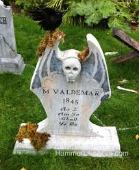 diy halloween tombstones hammer like a girlhammer like a