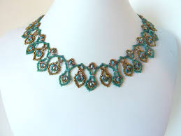 leaf pattern necklace free beading pattern for superduo leaf drops necklace beaddiagrams com