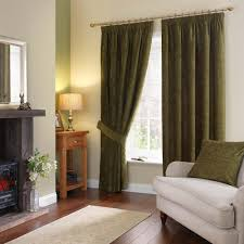 green curtains interesting northern lights shower