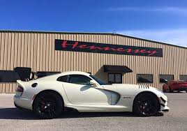 dodge viper performance road trip in the 2016 dodge viper acr ernlive com