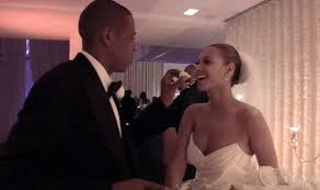 beyoncé dedicates video playlist to jay z on 9th wedding