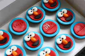 elmo cupcakes elmo cupcakes afternoons in the kitchen