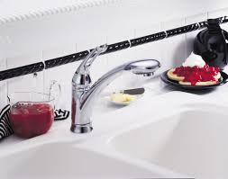 Older Delta Kitchen Faucets by Faucet Com 472 Dst In Chrome By Delta