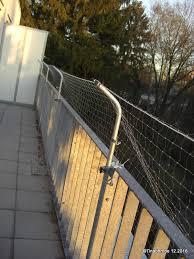 balkon katzensicher machen katzensicherheit auf dem balkon katzenschutznetz der balkon