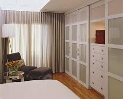 the wood sliding closet doors wood sliding closet doors ideas