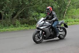 honda cbr f uk road test honda cbr650f review visordown
